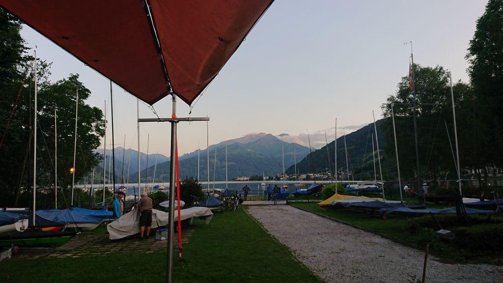 Blick vom Clubhaus auf den See